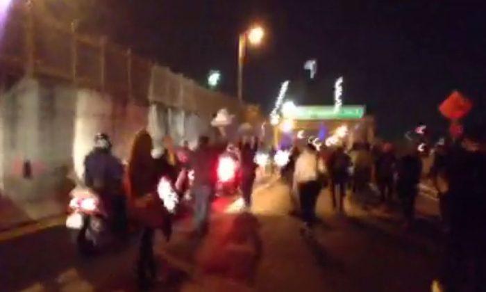Protesters shut down the Brooklyn Bridge, Manhattan Bridge, the Triborough Bridge on Tuesday. (Ustream/screenshot)