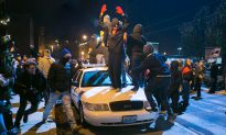 Ferguson Violence Continues for Second Night (+Photos, Videos)