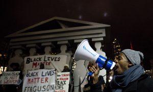Thousands Hold Vigil in Toronto for Slain Ferguson Teenager