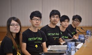 After Police Clearing, Hong Kong Student Group Proposes Escalating Protests