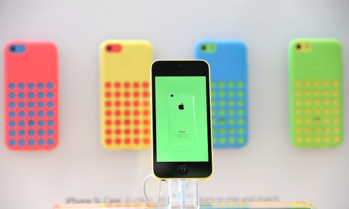 The new Apple iPhone 5C is displayed at an Apple Store on Sept. 20, 2013 in Palo Alto, Calif. (Justin Sullivan/Getty Images)
