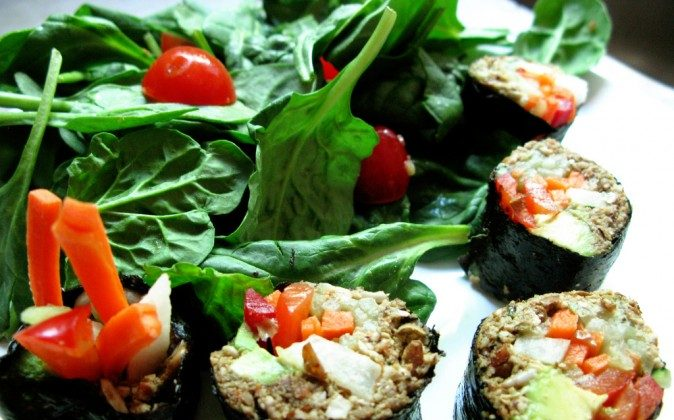 Raw Vegan Sushi (Kari Sullivan, CC BY 2.0)