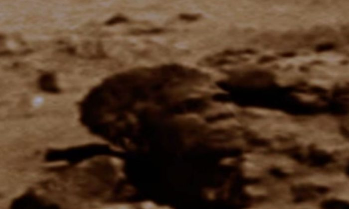 """A UFO blogger is claiming they've found the """"head"""" of President Barack Obama on Mars. (NASA.gov)"""