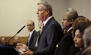 US City Mayors Promise to Get Immigrants Signed Up for President's Executive Action