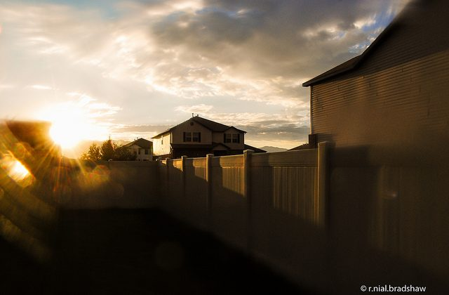 Sunrise in suburb (r. nial bradshaw, CC BY 2.0)
