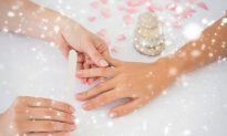 9 Tips to Keep Your Nails Healthy This Holiday Season