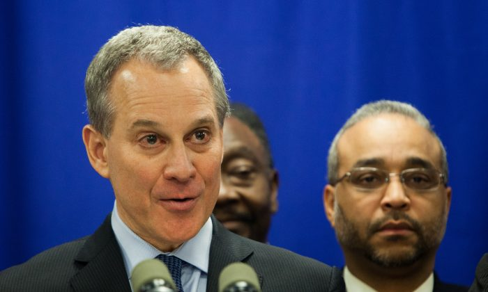New York State Attorney General Eric Schneiderman at a press conference in his office in Downtown Manhattan, N.Y., on Dec. 8, 2014. Schneiderman called on the New York State Governor Andrew Cuomo to appoint him to prosecute cases of police officers killing unarmed civilians. (Petr Svab/Epoch Times)
