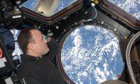 Astronaut Talks Profound 'Orbital Perspective'