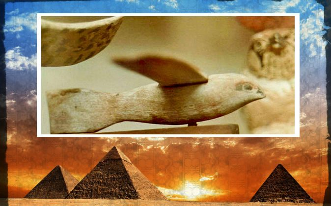 Top: A wooden figure thought by some to be a bird, by some to be a plane, dating from the 3rd century B.C., found in Sakkara (or Saqqara), Egypt. (Dawoud Khalil Messiha/Wikimedia Commons) Bottom: A file photo of pyramids in Egypt. (Shutterstock*; edited by Epoch Times)