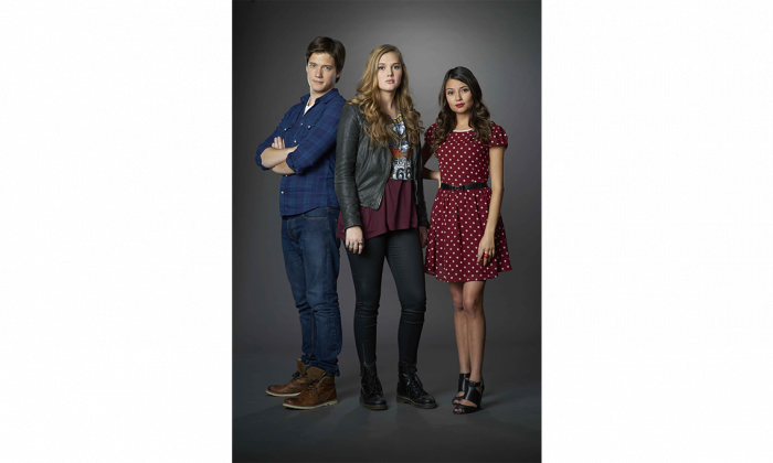 "Justin Kelly, Karis Cameron, and Cristine Prosperi star in the new TV drama ""Open Heart,"" which debuts Jan. 20 on YTV and TeenNick. (Courtesy of Corus Entertainment)"