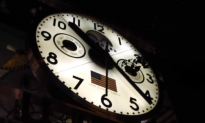 There Might Be a Mirror Universe Where Time Moves Backwards (Video)