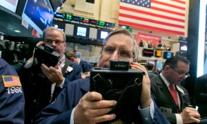 Stocks Gain Most in More Than a Year on Fed, Oil