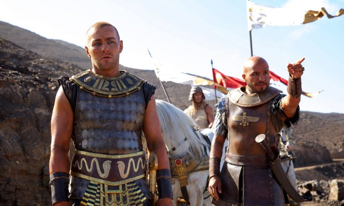 """Joel Edgerton (L) and Dar Salim in a scene from """"Exodus: Gods and Kings."""" (AP Photo/20th Century Fox, Kerry Brown)"""