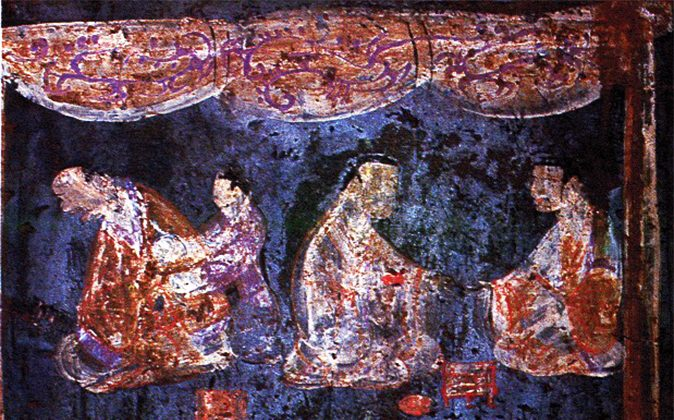 Detail of a mural from an Eastern Han tomb (25–220 A.D.) at Zhucun, Luoyang, Henan Province, China. The painting utilizes Han purple and Han blue pigments. (Wikimedia Commons)