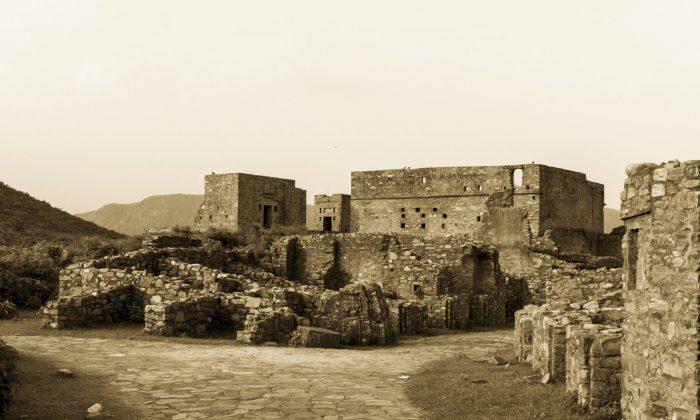 Bhangarh ruins (Amlan Mathur/iStock/Thinkstock)