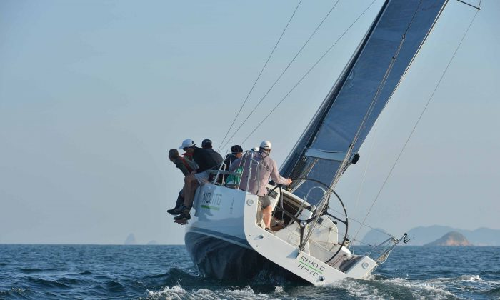 UK Sailmakers Winter Saturday Series, IRC Division winner 'Mojito' sailing up-wind during race-7 of the series in Port Shelter on Saturday Dec 20, 2014. (Bill Cox/Epoch Times)