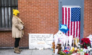 New Yorkers Pay Respects to Police Officers Dead in Brooklyn Shooting