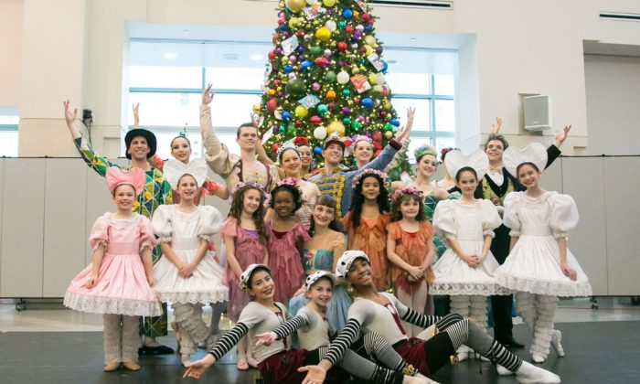 "Dancers of the New York Theatre Ballet performed ""The Nutcracker"" at the New York-Presbyterian Morgan Stanley Children's Hospital on Monday, Dec. 22, 2014. For the last eight years, NYTB has performed a one-hour holiday ballet for the pediatric patients. (Benjamin Chasteen/Epoch Times)"