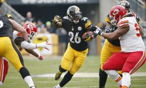 Le'Veon Bell Injured: Steelers RB Hurts, Hyper-Extends Knee Against Bengals (Video)