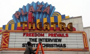 Braving Threats, 'The Interview' to Show on Christmas Day in Some Theaters