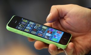 How Does Using a Smartphone Affect Your Health?