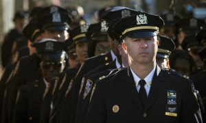 Thousands Attend 8-hour Wake for Slain NYC Officer (+Photos, Video)