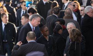 Police Outside Rafael Ramos Funeral Turn Backs on de Blasio