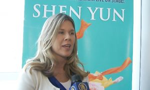 Shen Yun's Stories Brought Author to Tears