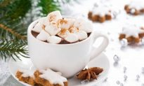 The Holiday Spice That Boosts Mood, Fights Depression