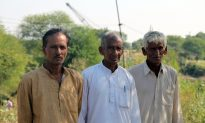 Pakistan-India Border Fence Severs Farmers From Land