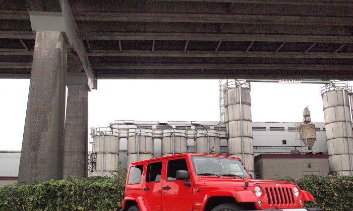 2015 Jeep Wrangler Unlimited Sahara (Photo by Benjamin Yong)