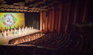 Shen Yun Shows 'Discipline and Compassion and Love,' Says Restaurant Owner