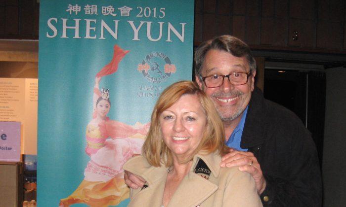 Linda and Rich Notzon enjoy Shen Yun Performing Arts at the Berkeley Zellerbach Hall, on Jan. 7, 2015. (Qiang Zhang/Epoch Times)