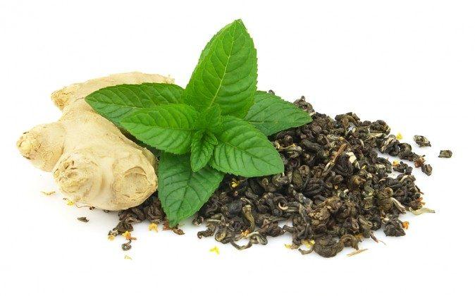 Ginger, peppermint and green tea (Shutterstock*)