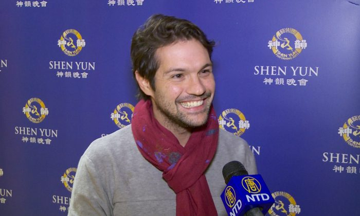 Painter Finds Magic and Inspiration in Shen Yun