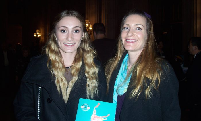Gymnastics Coach Says Shen Yun Is 'Breathtaking'