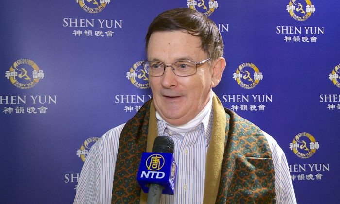 Fitness Business Owner Wowed by Shen Yun Dancers' Athleticism