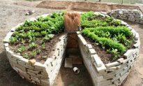 How To Build a Keyhole Garden