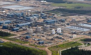 Oil Price Plunge Pressuring Policymakers in Canada
