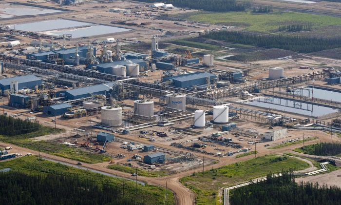 A Suncor oil sands facility is pictured near Fort McMurray, Alta. Analysts predict the days of new mega-projects in the oil sands are over. (The Canadian Press/Jeff McIntosh)