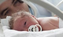 If Baby Weighs Under 6 Pounds, Diabetes Risk Goes Up