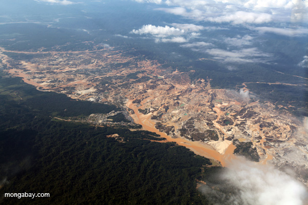 Huepetuhe goldmine in southern Peru. Mercury, a neurotoxin, is often used to separate ore from substrate. Previous studies have shown high blood levels of mercury in fish and people downstream in the city of Puerto Maldonado. Photo by Rhett A. Butler.
