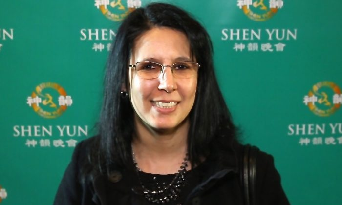 Wahida Saeedi after seeing Shen Yun Performing Arts on Jan. 17, 2015. (Courtesy of NTD Television)
