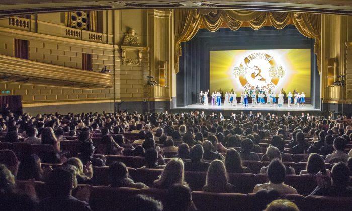 Shen Yun Mesmerizes War Memorial Opera House Audience