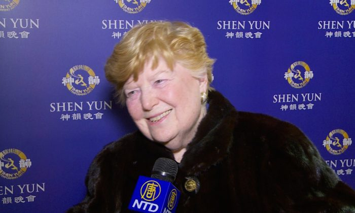 Professor Says Shen Yun the Most Artistic Chinese Performance