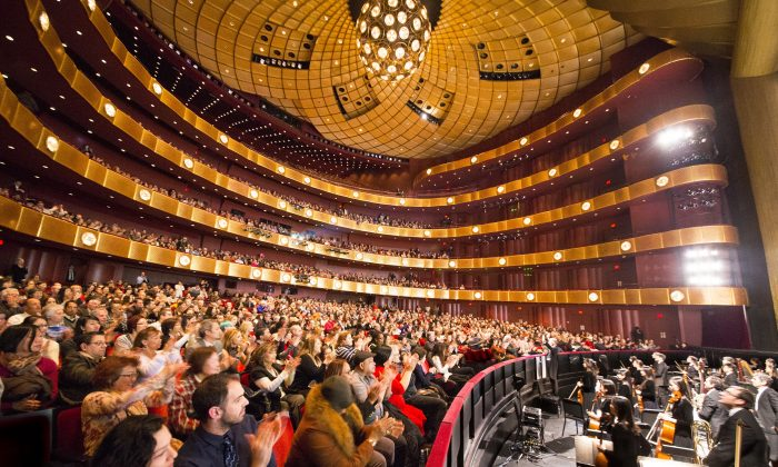 Shen Yun Dancers Impress, Revitalize New York Audience