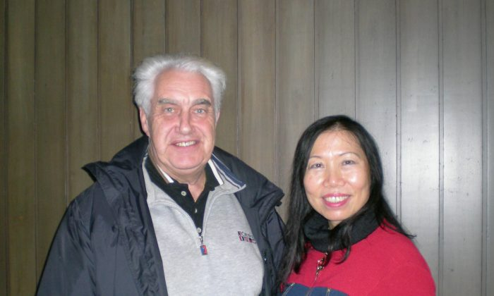 Teresa Yu and Robert Eli at the Queen Elizabeth Theatre on Jan. 18, 2015, after seeing Shen Yun's performance. (Joan Delaney/Epoch Times)