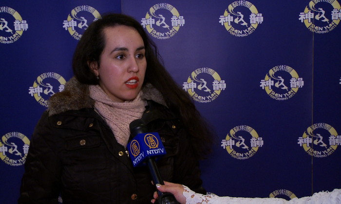 Writer and editor Tanya Cruz shares her thoughts on Shen Yun after attending the performance at the Sony Centre for the Performing Arts in Toronto on opening night, Jan. 21, 2015. (NTD Television)