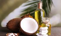 Why I Stopped Using Coconut Oil on My Face