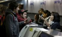 Senate Report Urges Government Crackdown on Airline Fees